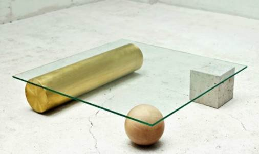 Coffee table με συνδυασμό υλικών.